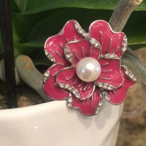 Jewelry - Stretch Flower & Pearl Ring